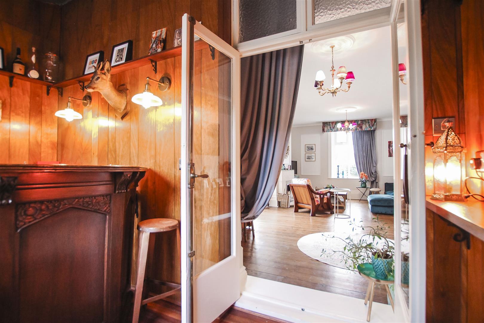 5 Bedroom Detached House For Sale - Bar/Snug